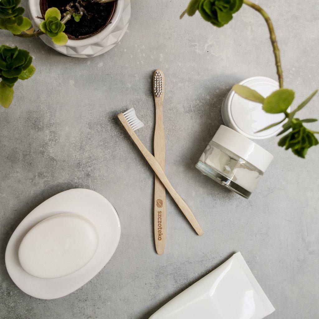 Bambusowa szczoteczka Biały kieł